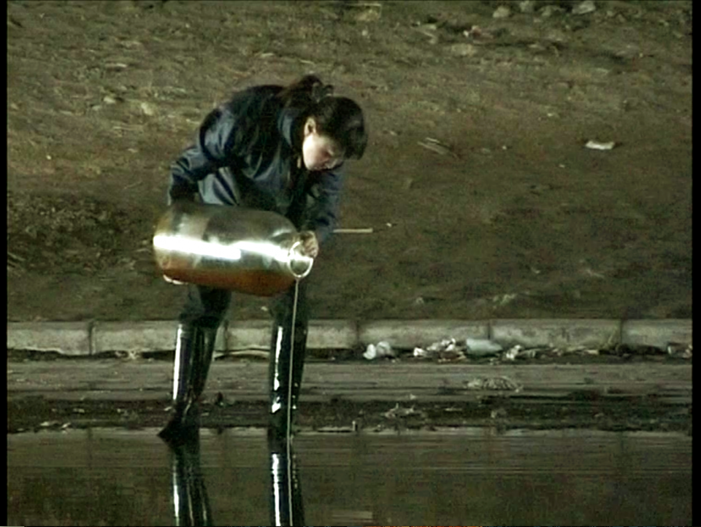 Peng Yu, Exile, 2000. Video stills. Photo courtesy of the artist.