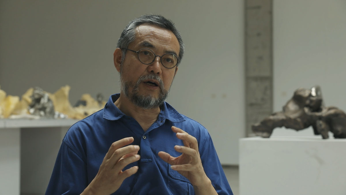 Still from Smart Museum artist interview with SUI Jianguo