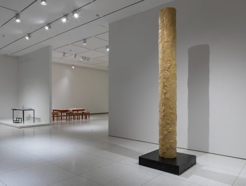 Sun Yuan and Peng Yu, Civilization Pillar, 2001/2019. Installation view at the Smart Museum of Art. Courtesy of the artists.